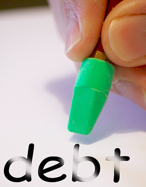 Best iPhone Applications Helping in Debt Management